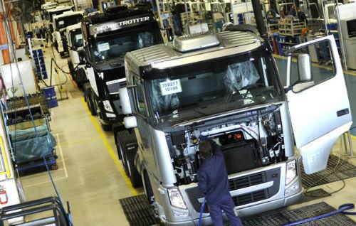 Produção de caminhões tem alta no mês de maio